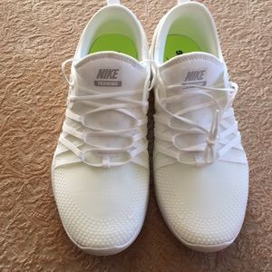 BRAND NEW Nike Training / NIKE FREE size 10 Women